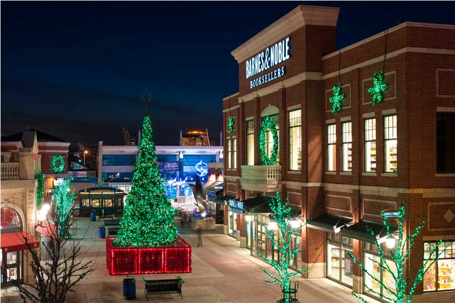 Commercial Holiday Lighting Installation