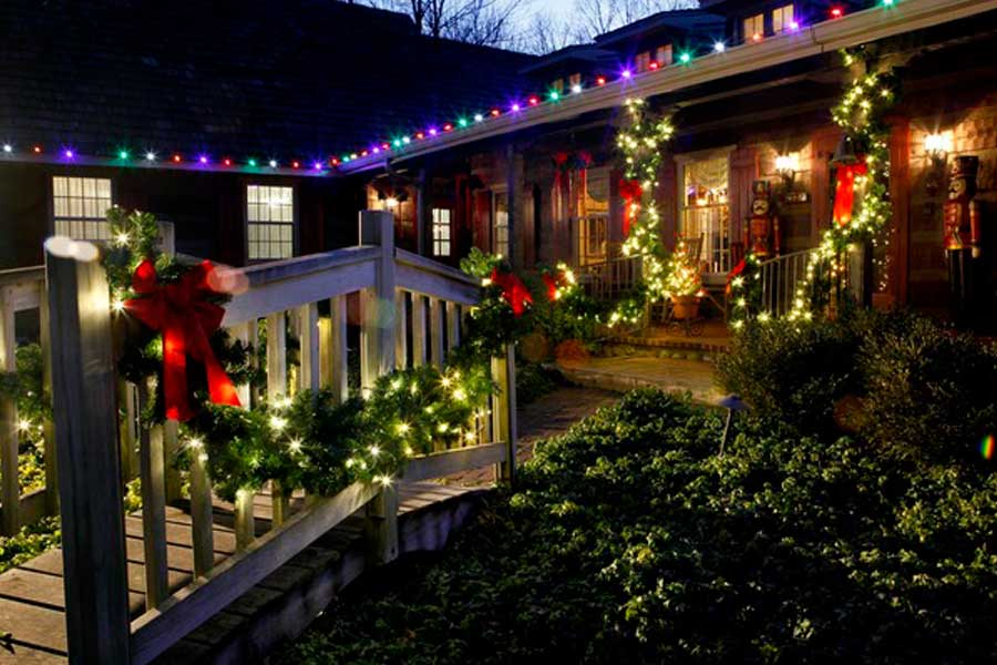 residential christmas lighting installation service